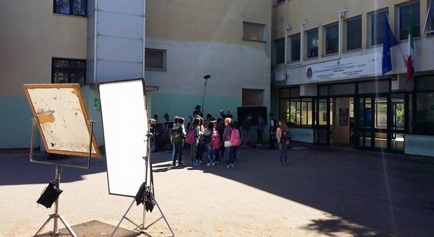 Una scena del film girata nel 2015 all'Istituto Da Vinci di Frosinone