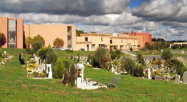 Un'area del cimitero di Prima Porta