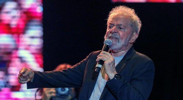 Brasile, Lula dichiara guerra a Bolsonaro, ma la Camera vota per la carcerazione