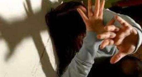 Napoli, 18enne violentata in un parcheggio pubblico da un uomo conosciuto sui social