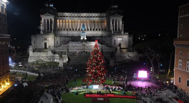 Albero Di Natale Roma.Speraggio Accese Le 60mila Luci Dell Abete Di Natale A Roma Scatta L Applauso