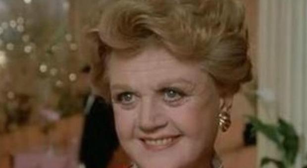 Angela Lansbury nei panni di Jessica Fletcher in un episodio de La signora in giallo