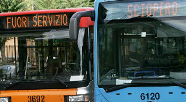 Atac, il Campidoglio accusa: «Il ticket non vale il servizio»