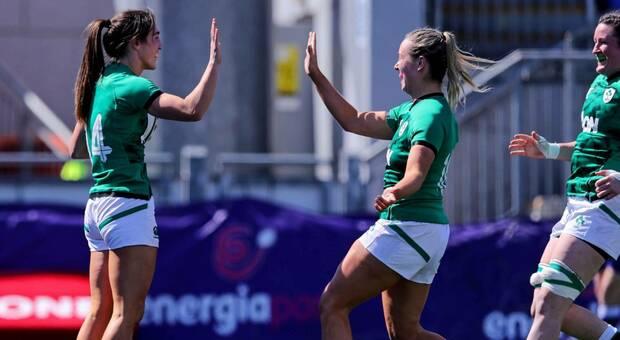 L'Irlanda festeggia la vittoria (sito Sixnationsrugby.com)