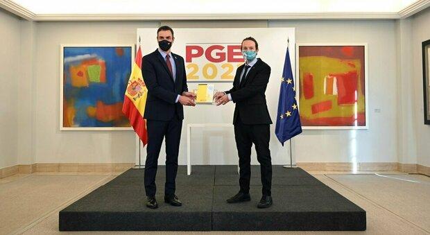 Spagna, spesa sociale e più tasse ai ricchi: la finanziaria targata Sanchez-Iglesias