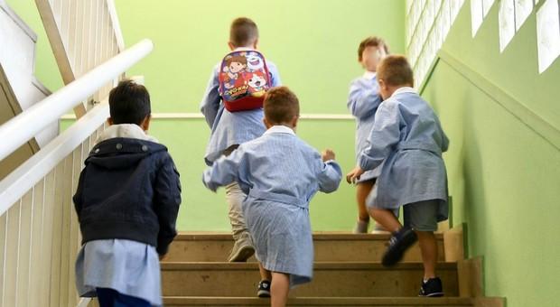 Cosenza, arrestate due insegnanti d'asilo per maltrattamenti su bambini