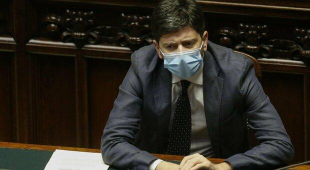 Covid Italia, Speranza: misure dure o il contagio andrà fuori controllo