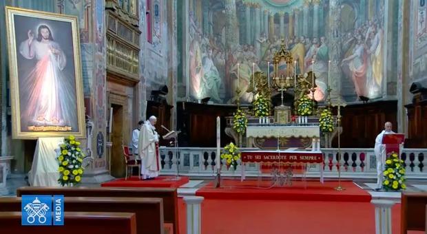 Papa Francesco, allarme sulla Fase 2: «L'egoismo è peggiore del virus»