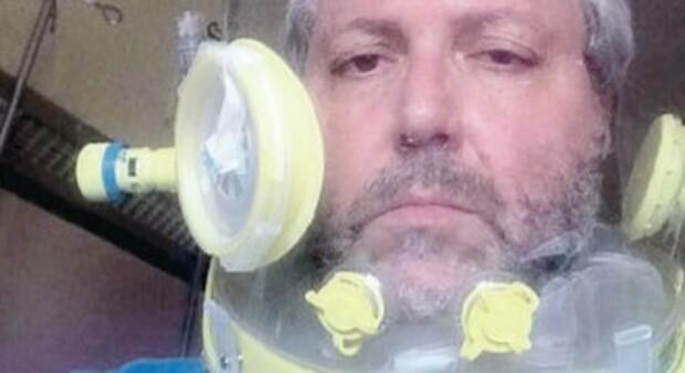 Covid Roma, l'ingegnere ricoverato: «Nel panico quando ho messo il casco, mi salverà l'amore dei medici»