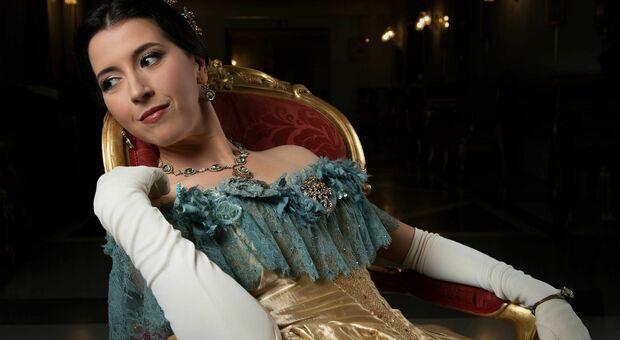 Il soprano Lisette Oropesa, 37 anni, nel film Traviata del Teatro dell'Opera di Roma