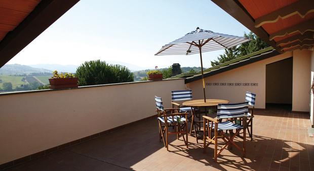 Ultimo piano ammesse modifiche alla terrazza for Arredo terrazza giardino offerte