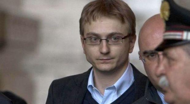 Alberto Stasi insultato sul web, l'imputata: «Chiara mi parla dall'aldilà»