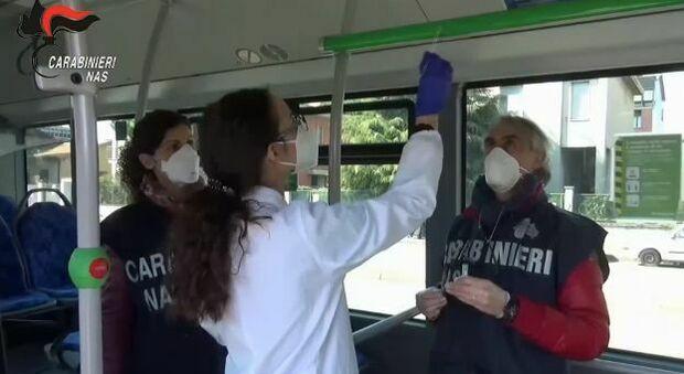 Latina, controlli dei Nas su bus e treni: tracce del virus rilevate sui mezzi di trasporto pubblico