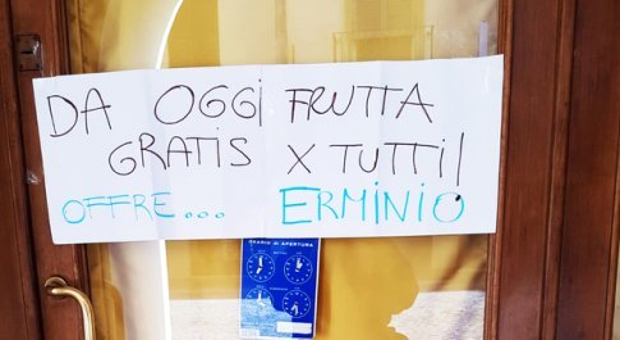 Gratta e Vinci, vinti 5 milioni di euro. È caccia al milionario, il fruttivendolo: «Non ho vinto io»