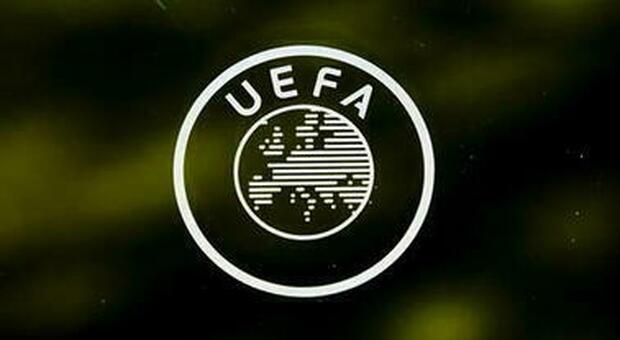 Conference League, svelata la coppa del nuovo torneo: la Uefa pubblica il video