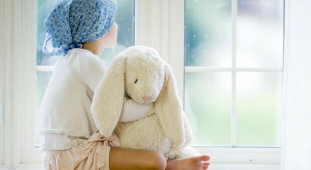 Leucemia, bimbi guariti grazie alla terapia con cellule Car-T: remissione completa della malattia in 2 settimane