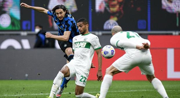 Inter-Cagliari 1-0: Darmian sblocca al 77'. La squadra di Conte sempre più vicina allo scudetto