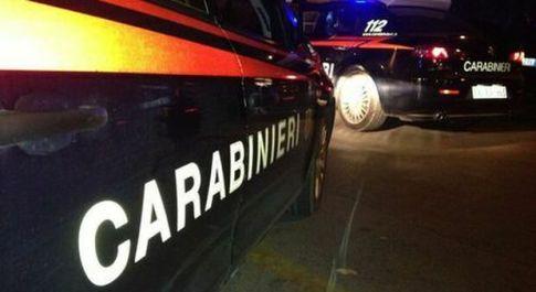 Uomo trovato morto in un garage a Reggio Emilia: accanto a lui la moglie gravemente ferita