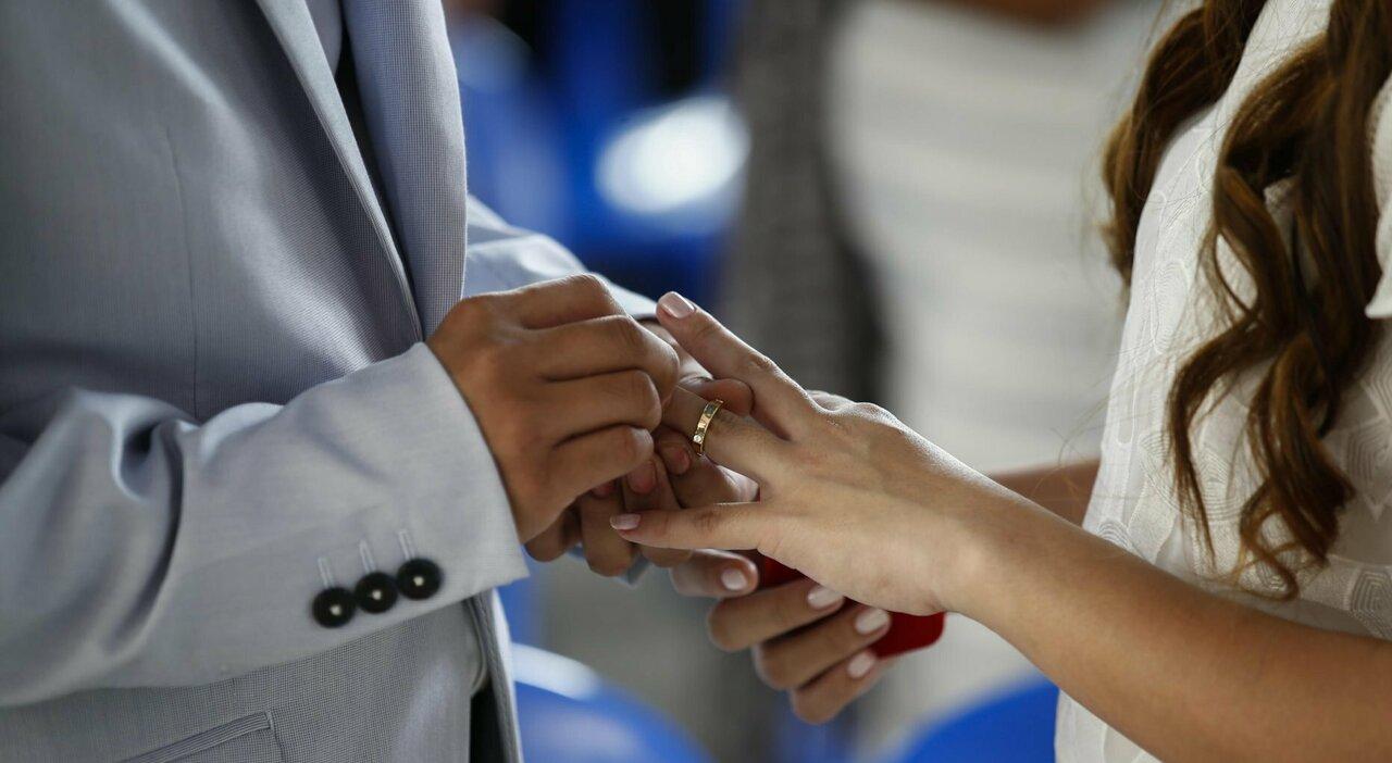 Matrimoni, il Green pass serve o no? Il giallo dei ricevimenti in zona bianca