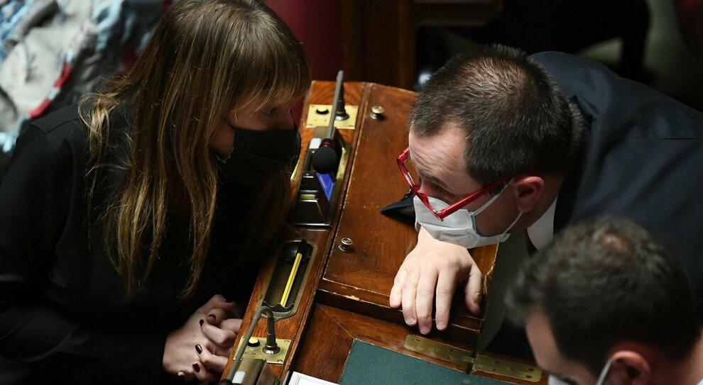 Crisi di governo, i renziani hanno paura: «Torniamo a trattare, se si vota ci asfaltano»