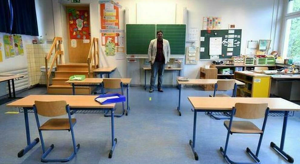Roma, tegola sulla riapertura delle scuole: un professore su dieci in quarantena
