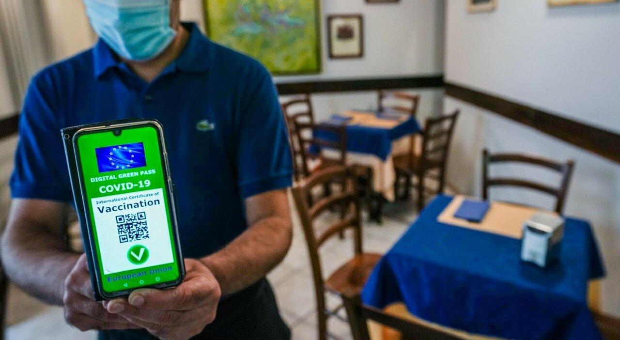 Green pass, stadio e visite in ospedale: più libertà con il certificato