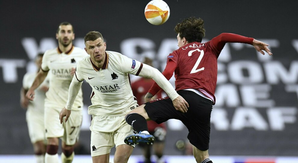 Manchester United-Roma, pagelle: fulmine Karsdorp, in difesa si balla