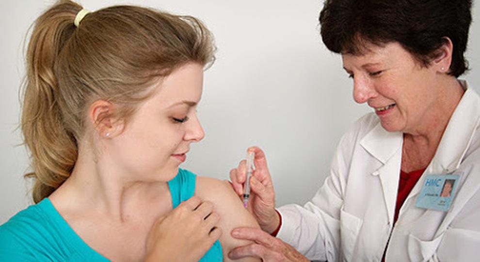 Johnson&Johnson, nel Lazio nuovo taglio alle dosi: slittano i vaccini in farmacia