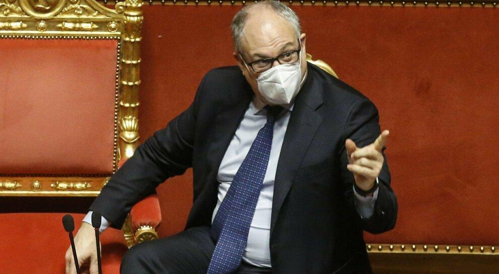 Sindaco Roma, Pd in pressing su Gualtieri per candidarlo (ma lui resiste)
