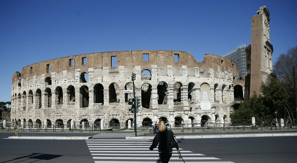 Lazio in zona rossa, i dati migliorano: il 29 marzo possibili prime riaperture