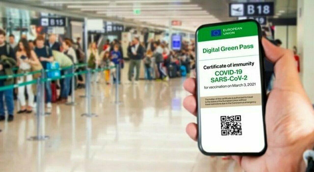 Green pass, Ricciardi: «Controlli severi per evitare gli errori del 2020»