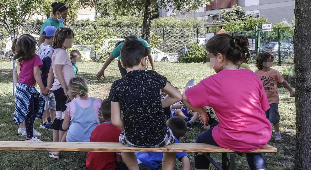 Coronavirus, Sos centri estivi: mamme e papà al lavoro, 5 mila bimbi senza posto