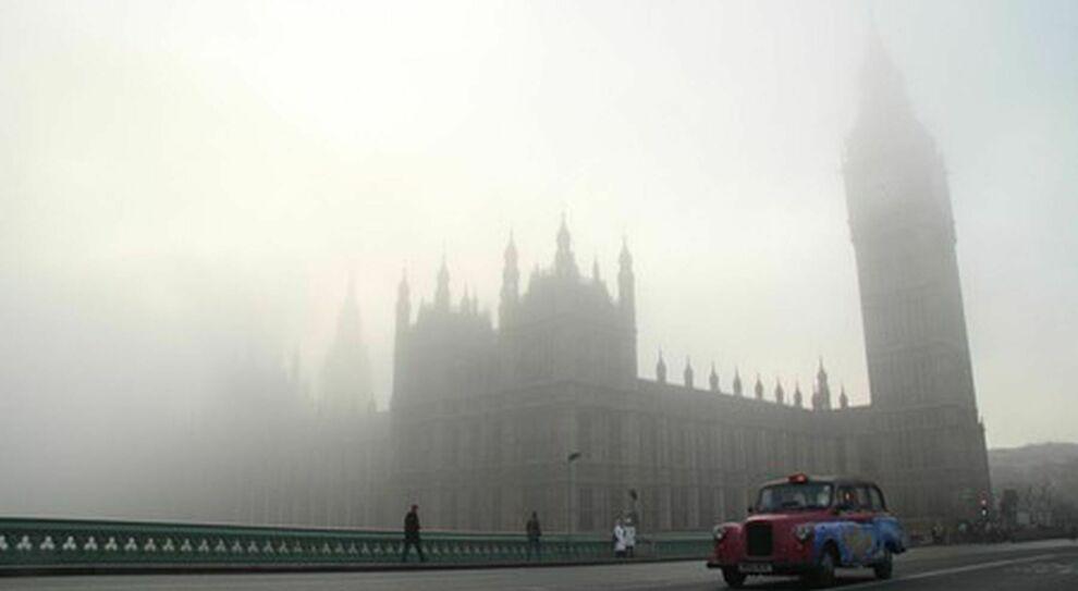 Covid, Gran Bretagna verso il ritorno alla normalità: si muore di più per gli incidenti stradali che per il virus