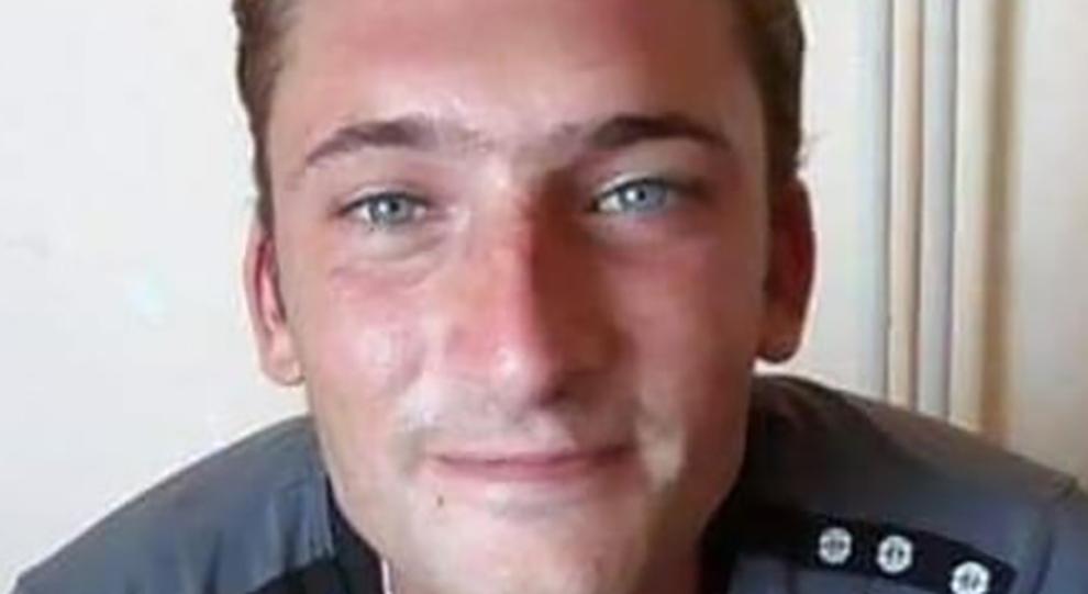 Cameriere suicida, un amico: «Quando ha saputo che era rimasto senza lavoro gli è crollato il mondo addosso»