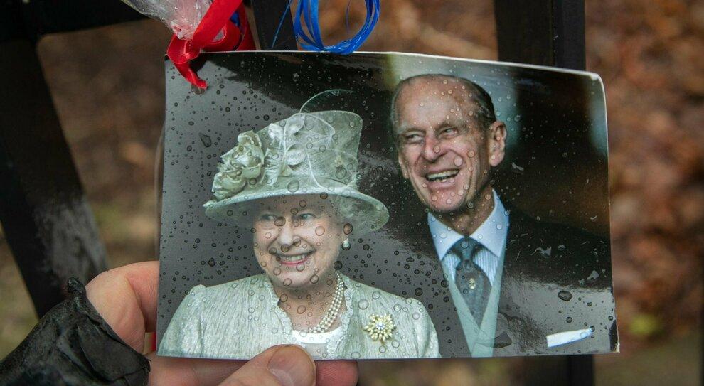 Elisabetta compirà 95 anni (e potrebbe annunciare le dimissioni): ecco chi sarà con lei