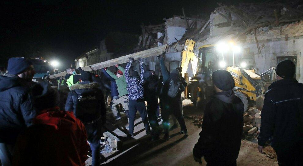 Terremoto Croazia di 6.4: sette morti e molti feriti. Paura in Italia, dal Veneto a Napoli