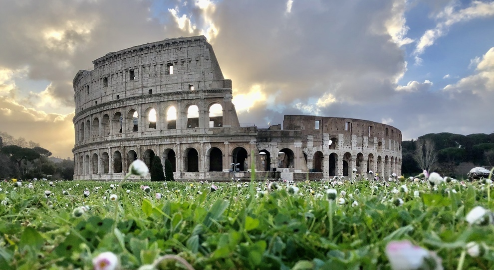 Colosseo, apertura positicipata al 1° giugno: nuovi orari e percorsi, tra mascherine e termoscanner