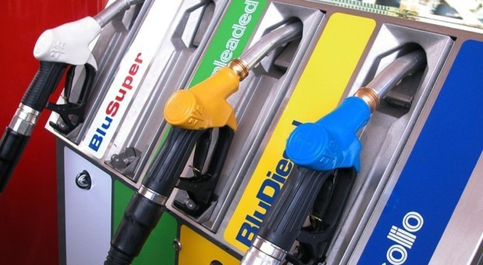 Coronavirus: benzinai, niente sciopero. Sulle chiusure aziendali nuovo braccio di ferro