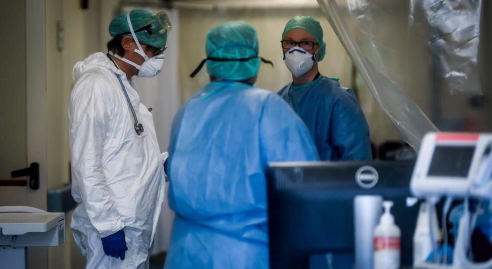 Coronavirus Italia, «già un milione gli infettati». Lo studio che cambia i piani