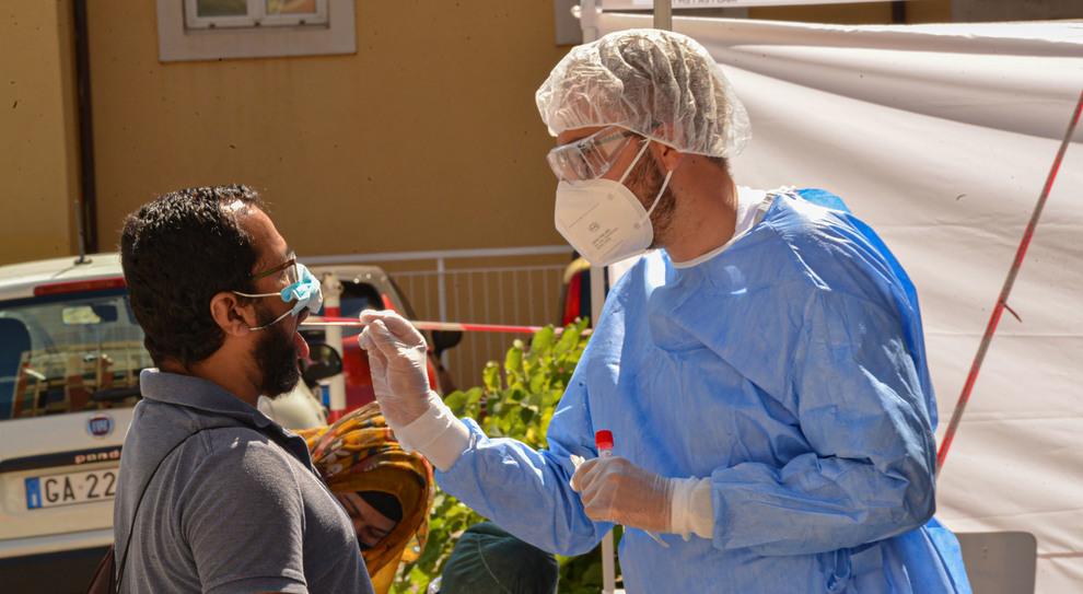 Coronavirus, con la riapertura dei confini già mille stranieri trovati positivi