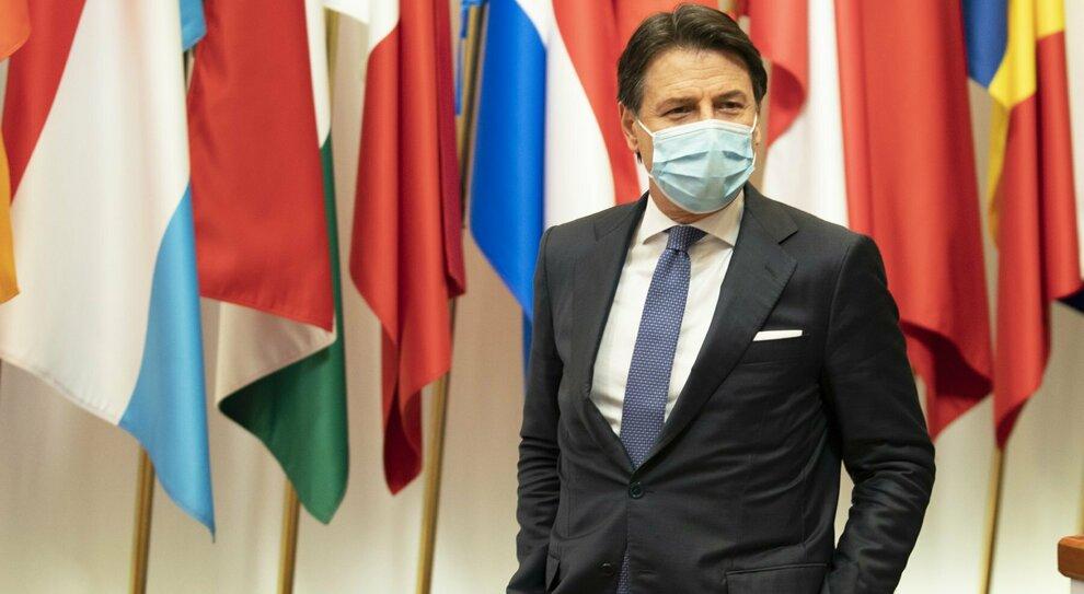 """Conte e lo """"stallo"""" con Renzi, si allontana la crisi di governo a Natale"""