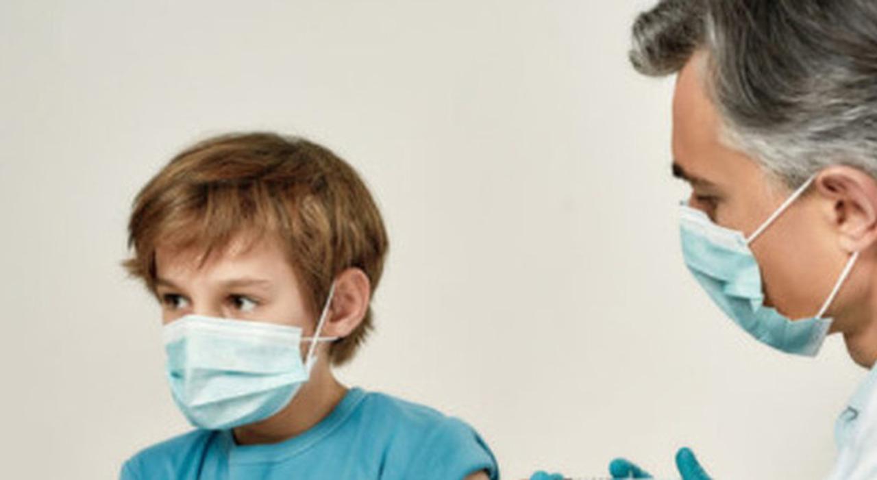 Vaccini dai pediatri, nel Lazio si parte il 15 giugno: mini-hub per i 12 e i 16 anni con Pfizer