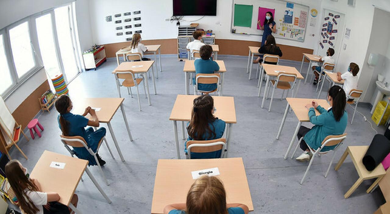 Scuola, il governo sfida la variante: in aula senza Dad