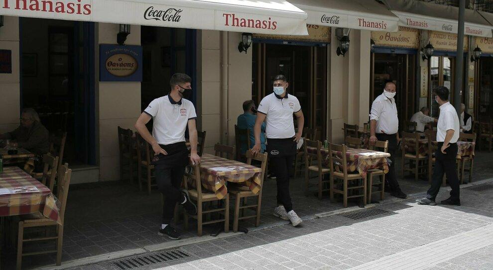 Estate 2021, i turisti dagli Usa tutti in Grecia. Greenberg: «Italia? Troppe incertezze»
