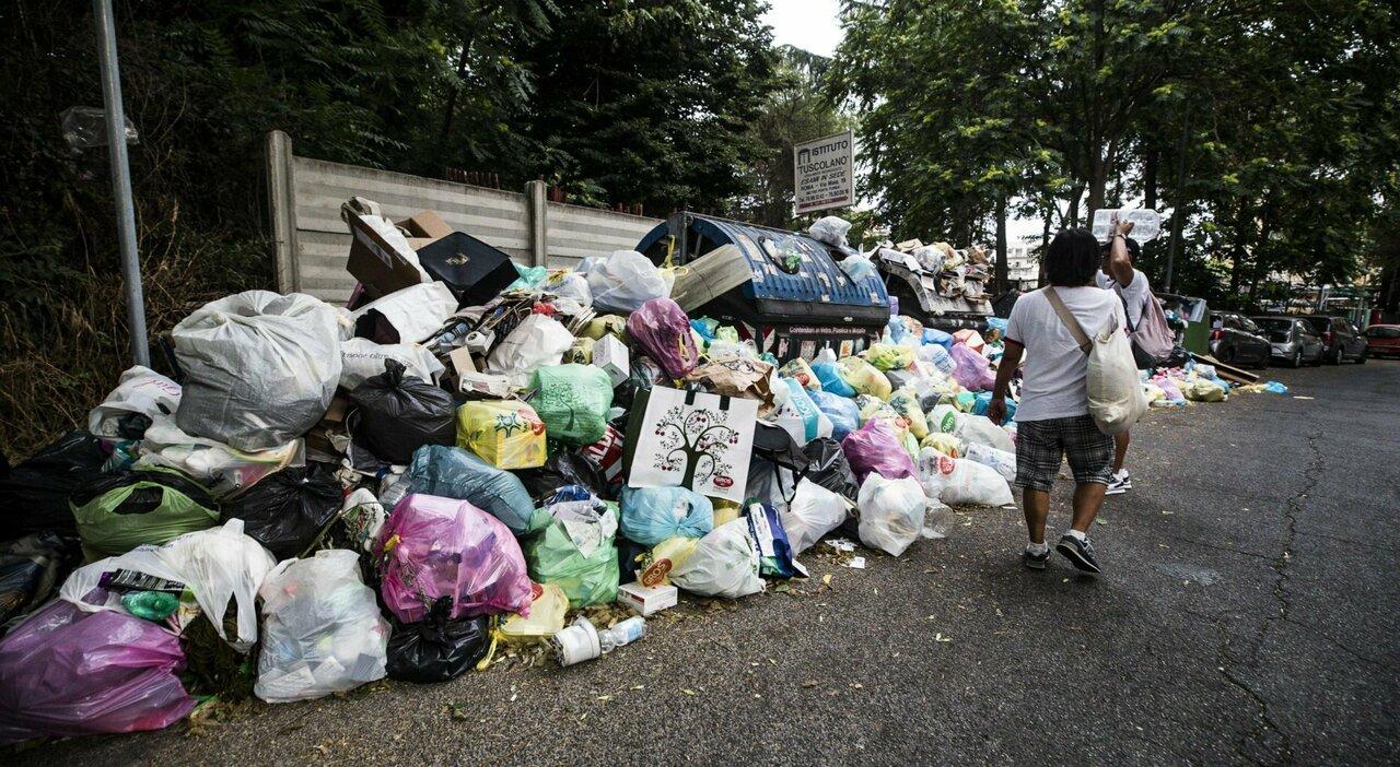 Comunali Roma, le priorità per i romani: l'emergenza sono i rifiuti, poi trasporti e degrado