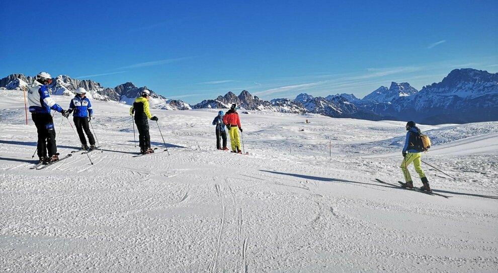 Dpcm, regioni chiuse un mese, scuola: da lunedì il 50% in classe. A sciare dal 15 febbraio