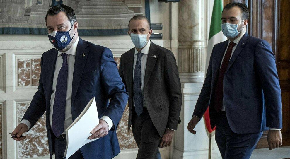 Governo Draghi, le mosse di Lega e M5S per strizzare l'occhio all'Ue