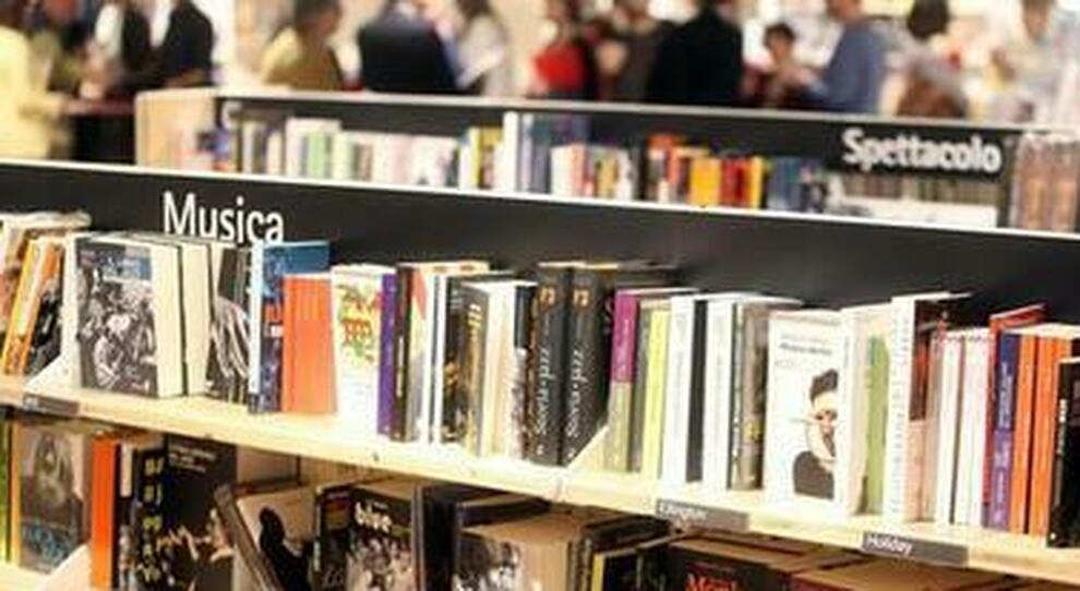 Bonus cultura 500 euro, si parte: come richiederlo e cosa comprare (dai corsi di musica ai libri)