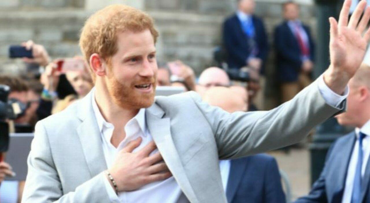 Harry scrive le sue memorie: «Libro intimo sulla mia vita». E Buckingham Palace trema