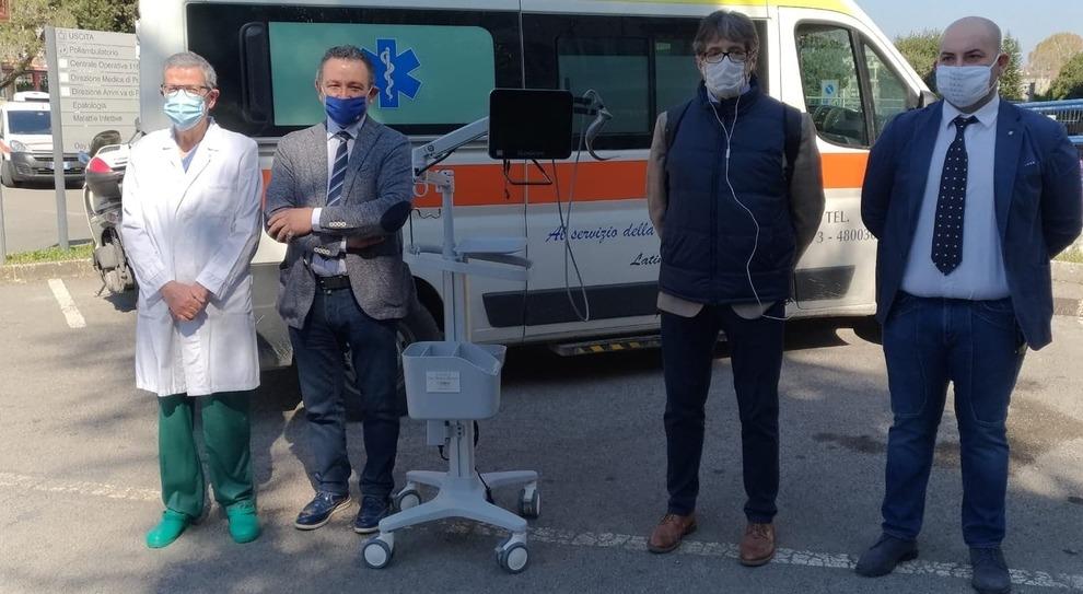 La donazione del macchinario all'ospedale
